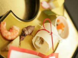 ≪お祝い膳例≫素材や味付けはもちろん、一品一品の盛りつけも華やかに…料理長渾身の懐石です。
