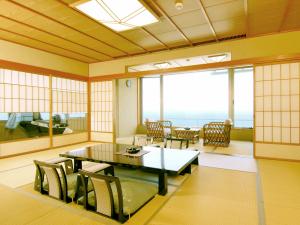 マッサージチェアから眺める日本海の眺めは格別です。